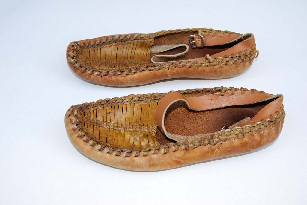 Peasant shoes